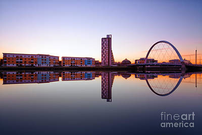 Clyde Arc  Art Print by John Farnan