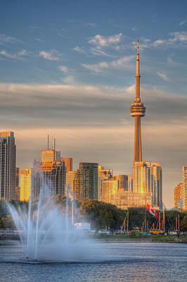 Nature Photograph - Cn Tower Toronto by Genaro Rojas