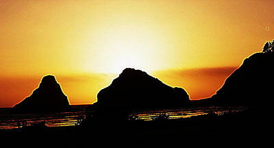 Digital Art - Coastal Sunset IIl by Kathy Sampson