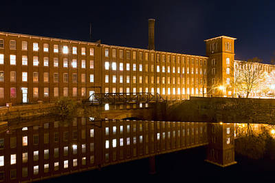 Photograph - Cocheco Mill Reflection by Jeff Sinon