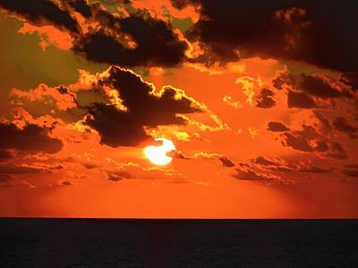 Art Print featuring the photograph Coco Cay Sunset by Jennifer Wheatley Wolf