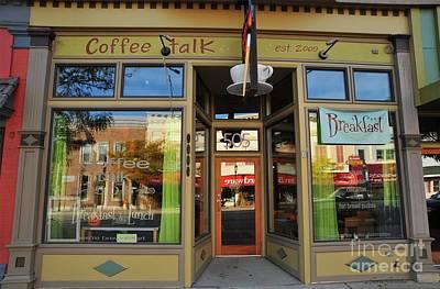 Clare Michigan Photograph - Coffee Talk In Clare Michigan by Terri Gostola