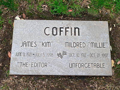 Photograph - Coffin Grave by Jeff Lowe