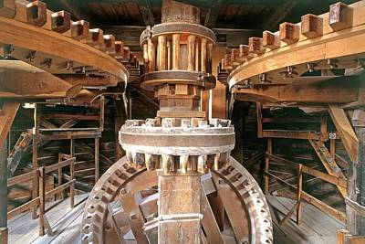 Behind The Scenes Photograph - Cogs And Gears by Dorling Kindersley/uig