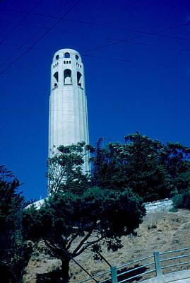 Photograph - Coit Tower 1955 by Cumberland Warden