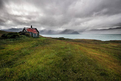 Abandoned House Wall Art - Photograph - Cold And Damp by ??orsteinn H. Ingibergsson