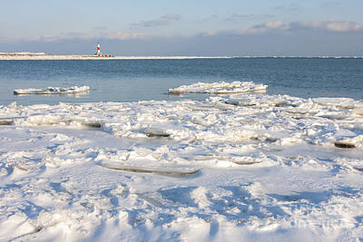 Waukegan Photograph - Cold Day At The Beach by Patty Colabuono