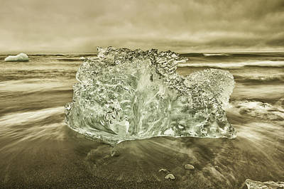 Photograph - Cold Days by Greg Wyatt