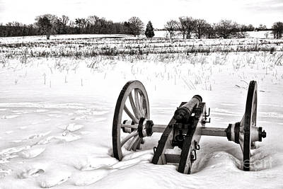 Artillery Photograph - Cold War by Olivier Le Queinec