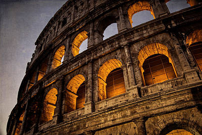Stone Buildings Photograph - Colosseum Dawn by Joan Carroll