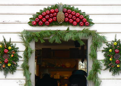 Photograph - Colonial Williamsburg Yuletide Decorations by Jean Wright