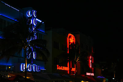 Photograph - Colony Boulevard And Starlite Neon by Ed Gleichman