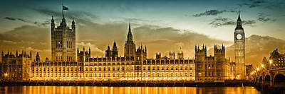 Great Britain Digital Art - Color Study London Houses Of Parliament by Melanie Viola