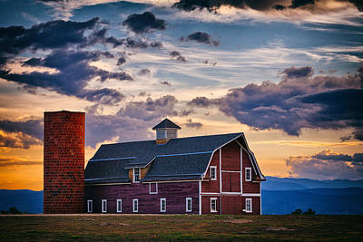 Photograph - Colorado Barn by Darren  White