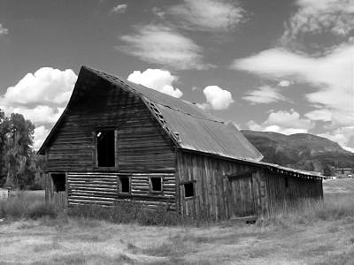 Photograph - Colorado Barn by John Bushnell