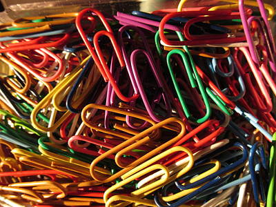 Photograph - Colored Paper Clips by Alfred Ng