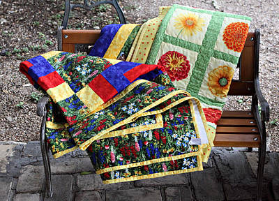 Colorful Quilts Print by Linda Phelps