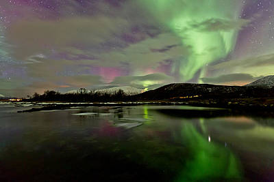 Canon Eos 5d Mark Iii Photograph - Colorful Reflections by Frank Olsen