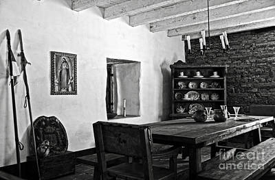 Photograph - Comandancia's Quarter In The Presidio Of Santa Barbara Bw by RicardMN Photography