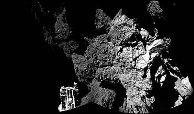 Comet Churyumov-gerasimenko From Philae Art Print by Esa/rosetta/philae/civa