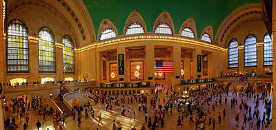 Grand Central Station Photograph - Commuters At A Railroad Station, Grand by Panoramic Images