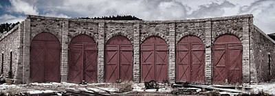 Engine House Photograph - Como Roundhouse by Ken Smith