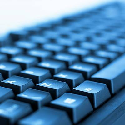 One Point Perspective Photograph - Computer Keyboard by Science Photo Library