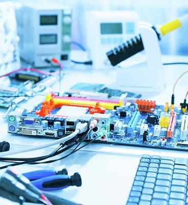 Electronics Photograph - Computers In A Repair Workshop by Wladimir Bulgar