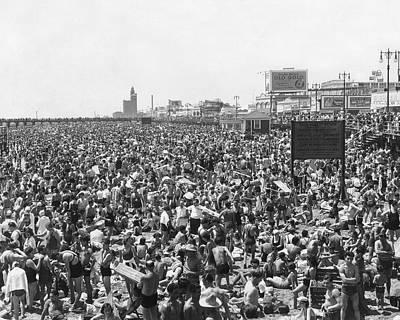 Brighton Beach Photograph - Coney Island - Brighton Beach by MMG Archives