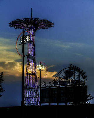 Coney Island Photograph - Coney Island Parachute Jump by Jon Woodhams