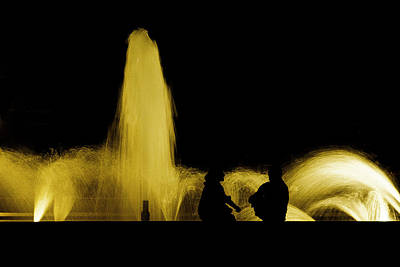Photograph - Conversation By The Fountain by Dave Hall