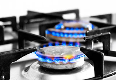 Oil Burner Photograph - Cooker Gas Hob With Flames Burning by Fizzy Image