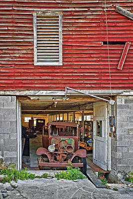 Montour Photograph - Cool Barn In Pennsylvania by Marcia Colelli