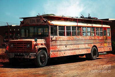 Old School Bus Photograph - Cool School Bus 5d24927 by Wingsdomain Art and Photography