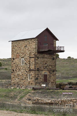 Photograph - Copper Mine Enginehouse by Linda Lees