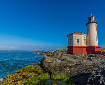 Photograph - Coquille River Light by James Hammond