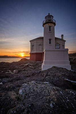 Photograph - Coquille River Lighthouse Sunset by Joe Hudspeth
