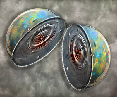 Atoms Photograph - Core by Betsy Knapp