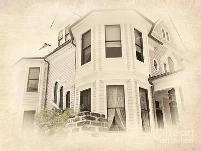 Charleston Houses Painting - Corner House by Dan Carmichael
