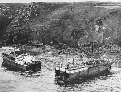 Cornwall Shipwreck Art Print by Underwood Archives