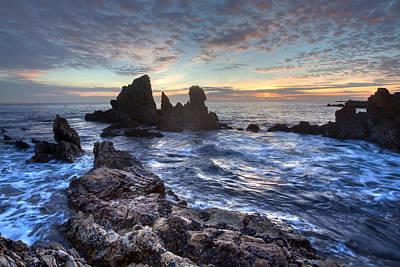 Photograph - Corona Del Mar Sunset by Cliff Wassmann