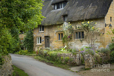 Old Country Roads Photograph - Cotswolds Cottage - Stanton by Brian Jannsen
