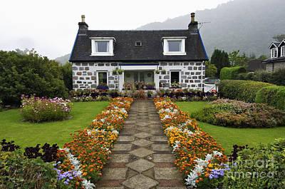 Photograph - Cottage Garden - D002217 by Daniel Dempster