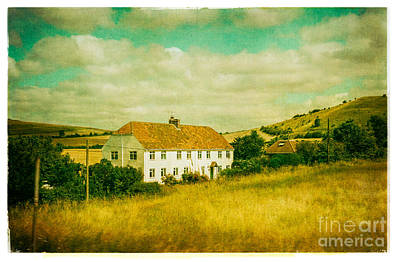 Photograph - Countryside Homestead by Lenny Carter