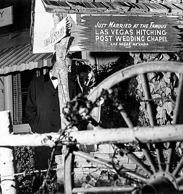 Photograph - Couple At Las Vegas Hitching Post Wedding Chapel by Richard Waite