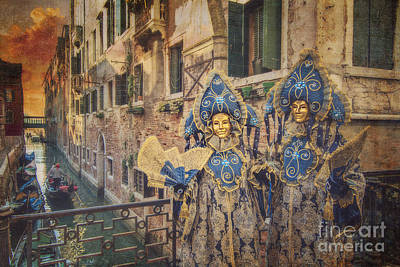 Couple With Fans Art Print by Danilo Piccioni