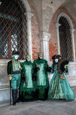 Doges Palace Photograph - Couples All Dressed Up Venice by Darrell Gulin