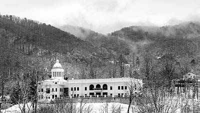Photograph - Courthouse Snow 2014 by Matthew Turlington