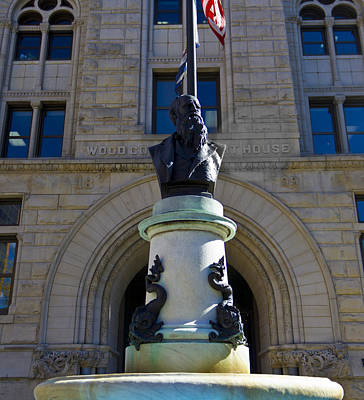 Parkersburg Wv Photograph - Courthouse Statue by Jonny D