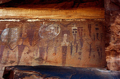 Bcs Photograph - Courthouse Wash Pictrographs 2 by Ron Brown Photography